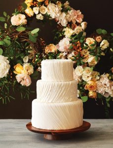 wedding-cakes-flowers-pairings-4